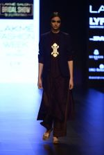 Model walk the ramp for Payal Khandwala Show at Lakme Fashion Week 2016 on 28th Aug 2016 (443)_57c3cac1a4dcd.JPG