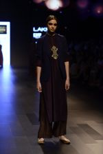 Model walk the ramp for Payal Khandwala Show at Lakme Fashion Week 2016 on 28th Aug 2016 (448)_57c3cac7cbd13.JPG