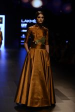 Model walk the ramp for Payal Khandwala Show at Lakme Fashion Week 2016 on 28th Aug 2016 (49)_57c3c5547583c.JPG