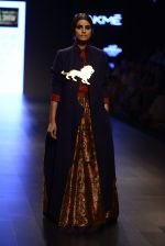 Model walk the ramp for Payal Khandwala Show at Lakme Fashion Week 2016 on 28th Aug 2016 (499)_57c3cb087ae92.JPG