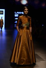 Model walk the ramp for Payal Khandwala Show at Lakme Fashion Week 2016 on 28th Aug 2016 (50)_57c3c556b4e6c.JPG