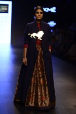 Model walk the ramp for Payal Khandwala Show at Lakme Fashion Week 2016 on 28th Aug 2016 (500)_57c3cb0a113fa.JPG