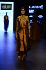 Model walk the ramp for Payal Khandwala Show at Lakme Fashion Week 2016 on 28th Aug 2016 (58)_57c3c562593b2.JPG