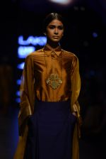 Model walk the ramp for Payal Khandwala Show at Lakme Fashion Week 2016 on 28th Aug 2016 (73)_57c3c58306335.JPG