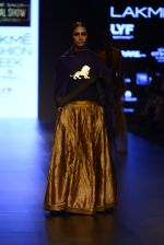Model walk the ramp for Payal Khandwala Show at Lakme Fashion Week 2016 on 28th Aug 2016 (77)_57c3c5903f311.JPG