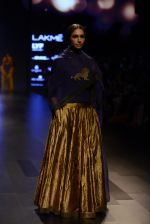 Model walk the ramp for Payal Khandwala Show at Lakme Fashion Week 2016 on 28th Aug 2016 (90)_57c3c5d0eeb0b.JPG