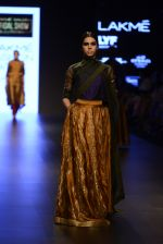 Model walk the ramp for Payal Khandwala Show at Lakme Fashion Week 2016 on 28th Aug 2016 (94)_57c3c5e45ee24.JPG