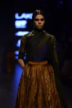 Model walk the ramp for Payal Khandwala Show at Lakme Fashion Week 2016 on 28th Aug 2016 (99)_57c3c6002b766.JPG