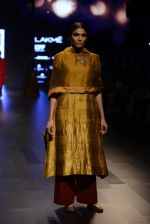 Model walk the ramp for Payal Khandwala Show at Lakme Fashion Week 2016 on 28th Aug 2016 (117)_57c3c657a363e.JPG
