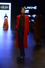 Model walk the ramp for Payal Khandwala Show at Lakme Fashion Week 2016 on 28th Aug 2016 (123)_57c3c676bbfd5.JPG
