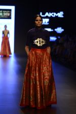 Model walk the ramp for Payal Khandwala Show at Lakme Fashion Week 2016 on 28th Aug 2016 (132)_57c3c69fd8b1f.JPG