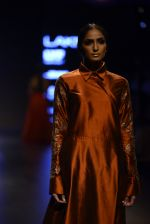 Model walk the ramp for Payal Khandwala Show at Lakme Fashion Week 2016 on 28th Aug 2016 (158)_57c3c722124a0.JPG