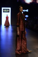 Model walk the ramp for Payal Khandwala Show at Lakme Fashion Week 2016 on 28th Aug 2016 (210)_57c3c81b9f678.JPG