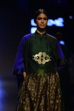 Model walk the ramp for Payal Khandwala Show at Lakme Fashion Week 2016 on 28th Aug 2016 (329)_57c3c9ec5274c.JPG