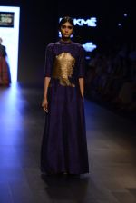 Model walk the ramp for Payal Khandwala Show at Lakme Fashion Week 2016 on 28th Aug 2016 (373)_57c3ca485d04a.JPG