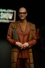 Model walk the ramp for Payal Khandwala Show at Lakme Fashion Week 2016 on 28th Aug 2016 (6)_57c3c53b1cae9.JPG