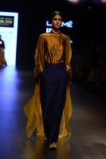 Model walk the ramp for Payal Khandwala Show at Lakme Fashion Week 2016 on 28th Aug 2016 (68)_57c3c577330c9.JPG