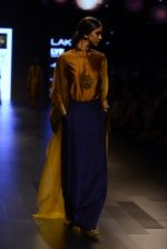 Model walk the ramp for Payal Khandwala Show at Lakme Fashion Week 2016 on 28th Aug 2016 (74)_57c3c584f020d.JPG