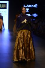 Model walk the ramp for Payal Khandwala Show at Lakme Fashion Week 2016 on 28th Aug 2016 (82)_57c3c5a57684f.JPG