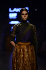 Model walk the ramp for Payal Khandwala Show at Lakme Fashion Week 2016 on 28th Aug 2016 (97)_57c3c5f6575d8.JPG