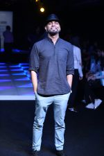 Raghu Ram at Little Shilpa Show at Lakme Fashion Week 2016 on 28th Aug 2016 (309)_57c3c39047e1d.JPG