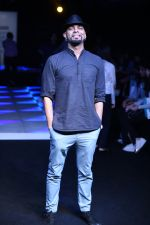 Raghu Ram at Little Shilpa Show at Lakme Fashion Week 2016 on 28th Aug 2016 (310)_57c3c39479a28.JPG