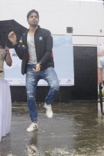 Sidharth Malhotra at a promotional event on 28th Aug 2016 (12)_57c3c2de55238.JPG