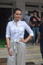 Sonakshi Sinha promote Akira in Mumbai on 28th Aug 2016 (14)_57c3d02c310be.JPG