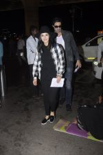 Sunny Leone snapped at airport on 28th Aug 2016 (15)_57c3c31e5ebd1.JPG