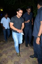 Aamir with his Dangal team snapped at Hakassan on 29th Aug 2016 (16)_57c54fcc705fe.JPG