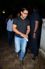 Aamir with his Dangal team snapped at Hakassan on 29th Aug 2016 (18)_57c54fd01207f.JPG