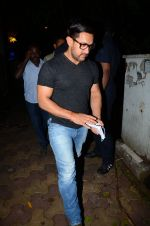 Aamir with his Dangal team snapped at Hakassan on 29th Aug 2016 (19)_57c54fd1b5a17.JPG