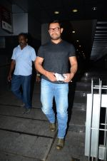 Aamir with his Dangal team snapped at Hakassan on 29th Aug 2016 (5)_57c54fc87b6b2.JPG