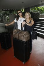 Amy Jackson snapped at airport on 29th Aug 2016 (13)_57c5497f1b61b.JPG