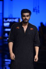 Arjun Kapoor walk the ramp for Kunal Rawal Show at Lakme Fashion Week 2016 on 28th Aug 2016 (101)_57c5454086db5.JPG