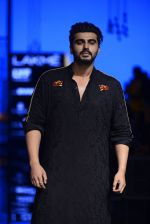 Arjun Kapoor walk the ramp for Kunal Rawal Show at Lakme Fashion Week 2016 on 28th Aug 2016 (103)_57c5455b9b800.JPG