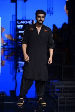 Arjun Kapoor walk the ramp for Kunal Rawal Show at Lakme Fashion Week 2016 on 28th Aug 2016 (105)_57c54579801ee.JPG