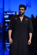 Arjun Kapoor walk the ramp for Kunal Rawal Show at Lakme Fashion Week 2016 on 28th Aug 2016 (86)_57c544b20bf8d.JPG