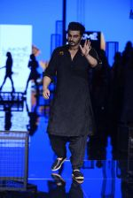 Arjun Kapoor walk the ramp for Kunal Rawal Show at Lakme Fashion Week 2016 on 28th Aug 2016 (87)_57c544b84161c.JPG
