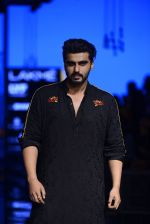 Arjun Kapoor walk the ramp for Kunal Rawal Show at Lakme Fashion Week 2016 on 28th Aug 2016 (99)_57c5452b6dc7d.JPG