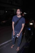 Ayan Mukerji snapped in Bandra on 29th Aug 2016 (21)_57c550828640e.JPG