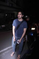 Ayan Mukerji snapped in Bandra on 29th Aug 2016 (23)_57c55085e7e58.JPG