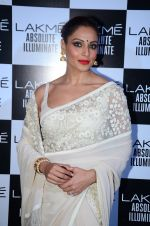 Bipasha Basu at Sabyasachi Show Grand Finale at Lakme Fashion Week 2016 on 28th Aug 2016 (63)_57c54422c857d.JPG