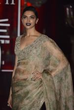 Deepika Padukone at Sabyasachi Show Grand Finale at Lakme Fashion Week 2016 on 28th Aug 2016 (218)_57c5431d6d5c0.JPG