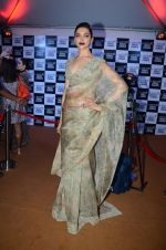 Deepika Padukone at Sabyasachi Show Grand Finale at Lakme Fashion Week 2016 on 28th Aug 2016 (81)_57c5442751023.JPG