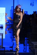 Diandra Soares walk the ramp for Kunal Rawal Show at Lakme Fashion Week 2016 on 28th Aug 2016 (67)_57c54561b7b00.JPG