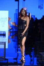 Diandra Soares walk the ramp for Kunal Rawal Show at Lakme Fashion Week 2016 on 28th Aug 2016 (71)_57c545a65cf13.JPG