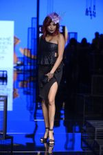 Diandra Soares walk the ramp for Kunal Rawal Show at Lakme Fashion Week 2016 on 28th Aug 2016 (58)_57c544f423208.JPG