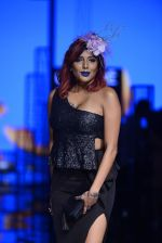 Diandra Soares walk the ramp for Kunal Rawal Show at Lakme Fashion Week 2016 on 28th Aug 2016 (74)_57c545f59501b.JPG