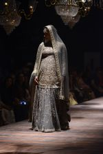 Kareena Kapoor walk the ramp for Sabyasachi Show Grand Finale at Lakme Fashion Week 2016 on 28th Aug 2016 (178)_57c543588dc6d.JPG